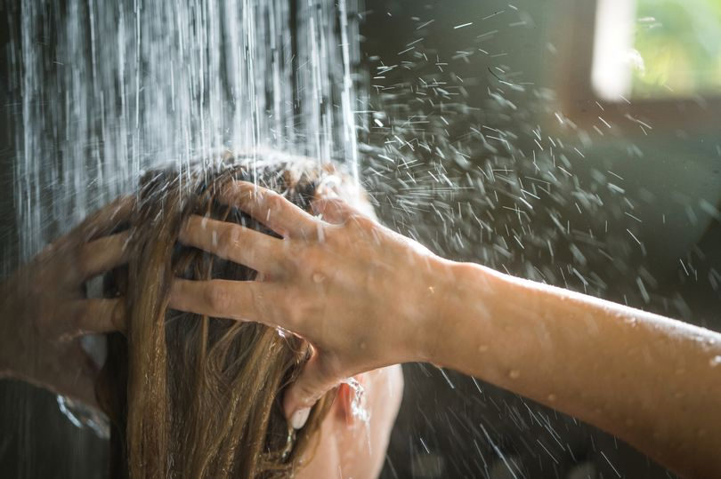 Mixing hot and cold water in morning shower can stop you feeling tired