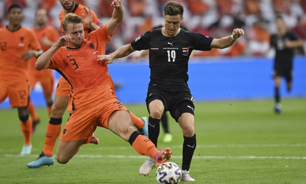 Matthijs de Ligt, cool and powerful, shows Netherlands the way forward
